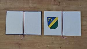 obec Včelná, pamětní kniha bílá, desky